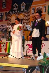 Solo oder gemeinsam als altes Ehepaar berichten Jürgen Fersing, genannt de Michel, und Carmen Krein aus ihrem Leben.